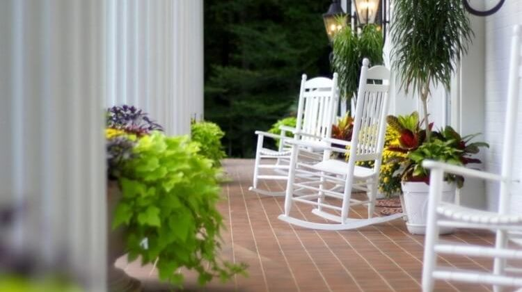 The 7 Best Rocking Chairs For Relaxation